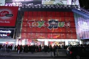 Black Friday en tienda de Toy R Us, en Nueva York. Foto del 23 de noviembre de 2007