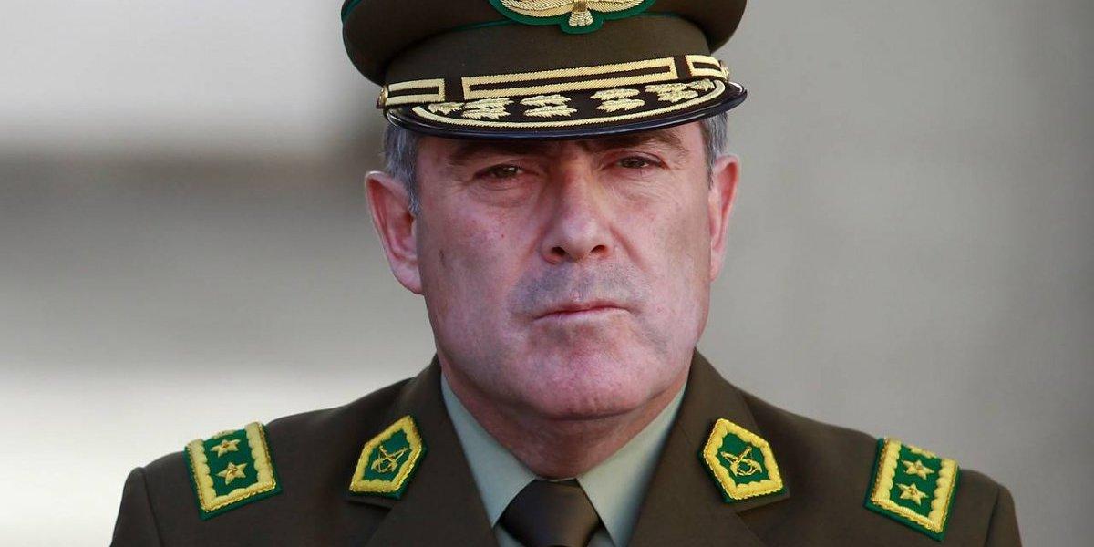 Lo tienen identificado: descubren al oficial que filtró la hoja de vida del general director  de Carabineros Hermes Soto