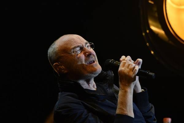 Exesposa de Phil Collins lo acusa de impotente y de no haberse bañado durante todo un año