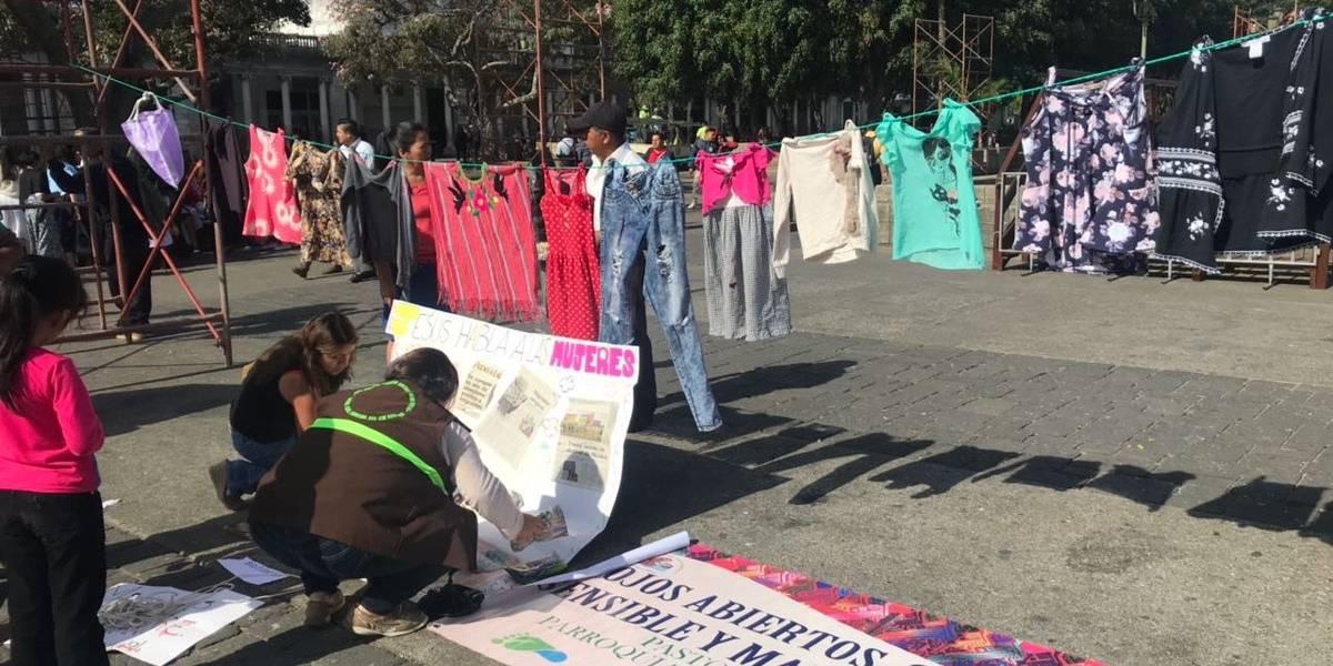 """Realizan el """"Viacrucis del Migrante"""" en la Plaza de la Constitución"""
