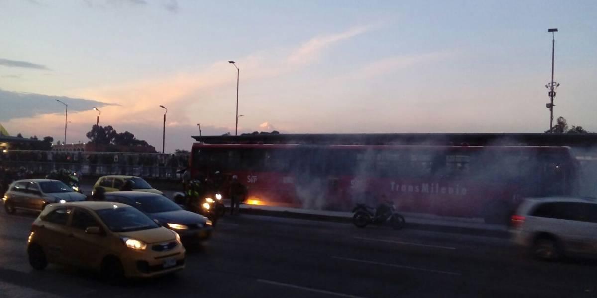 Articulado de TransMilenio se incendia en el occidente de Bogotá