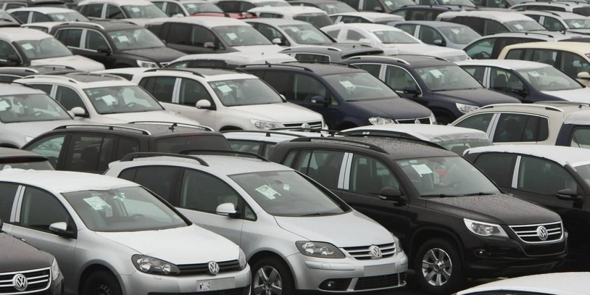 Se busca derogar el impuesto verde a vehículos con alto cilindraje por vía legislativa