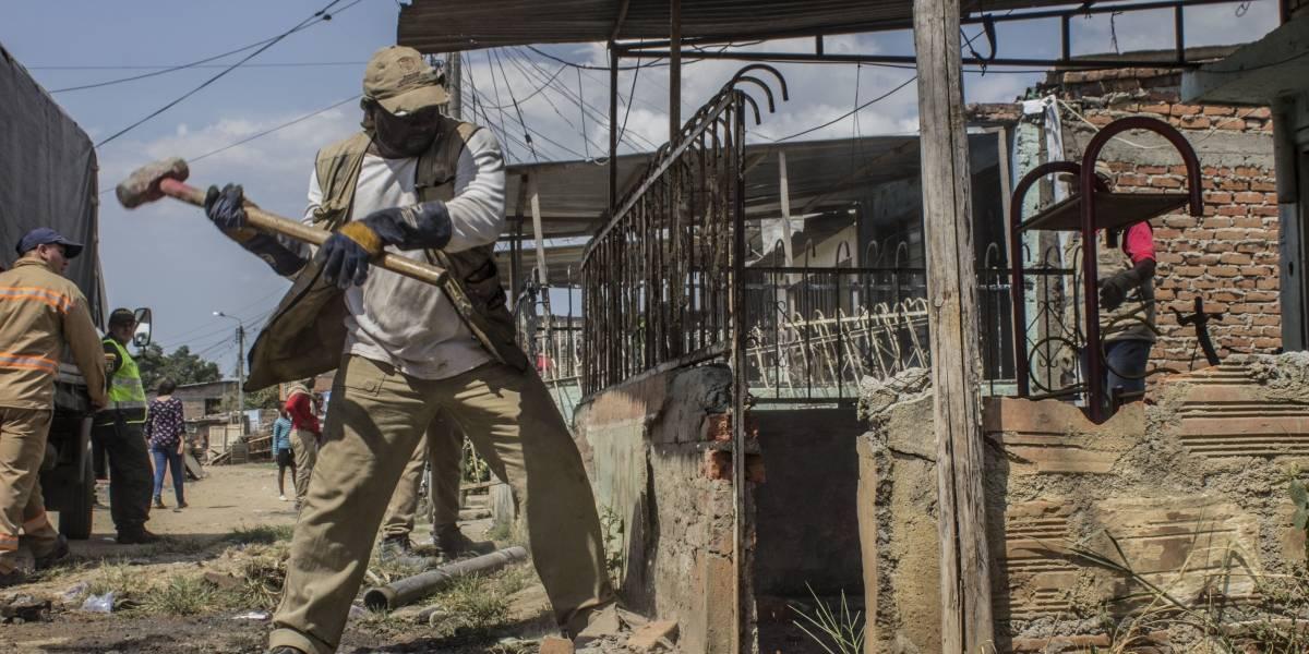 15 familias del Jarillón de Cali aceptaron que sus viviendas fueran demolidas