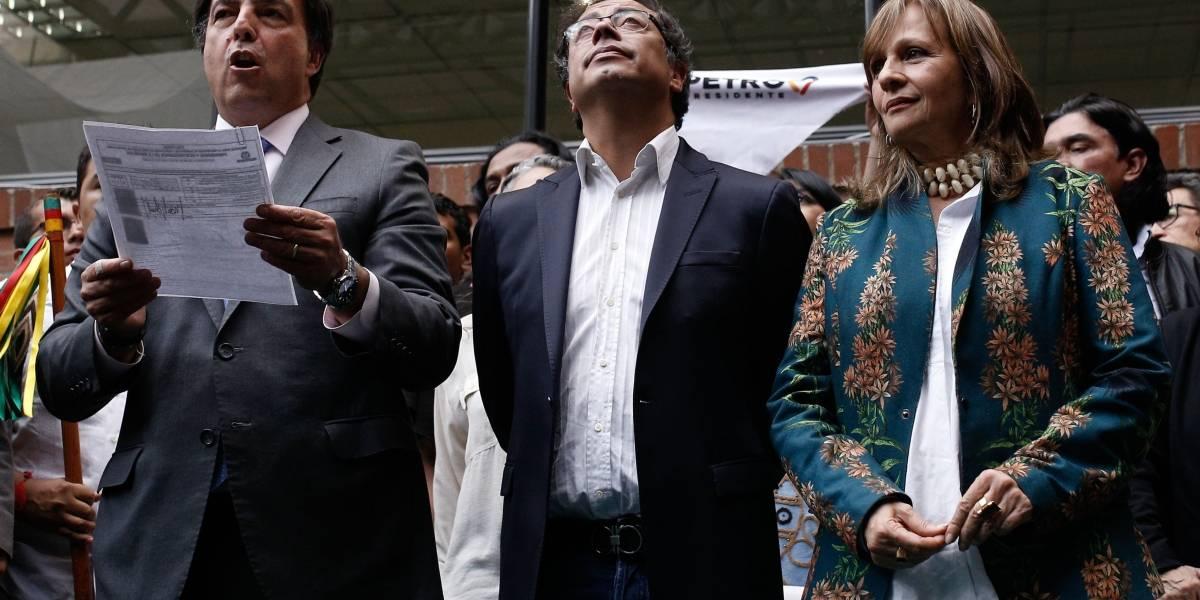 ¿Ángela Robledo estaría inhabilitada para ser vicepresidente de Petro?