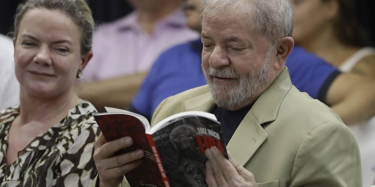 """Lula dice estar """"preparado"""" para ir a la cárcel en su nuevo libro"""