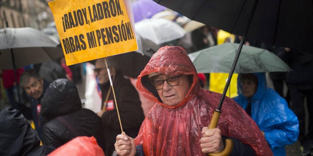 Personas de la tercera edad exigen pensiones dignas en España