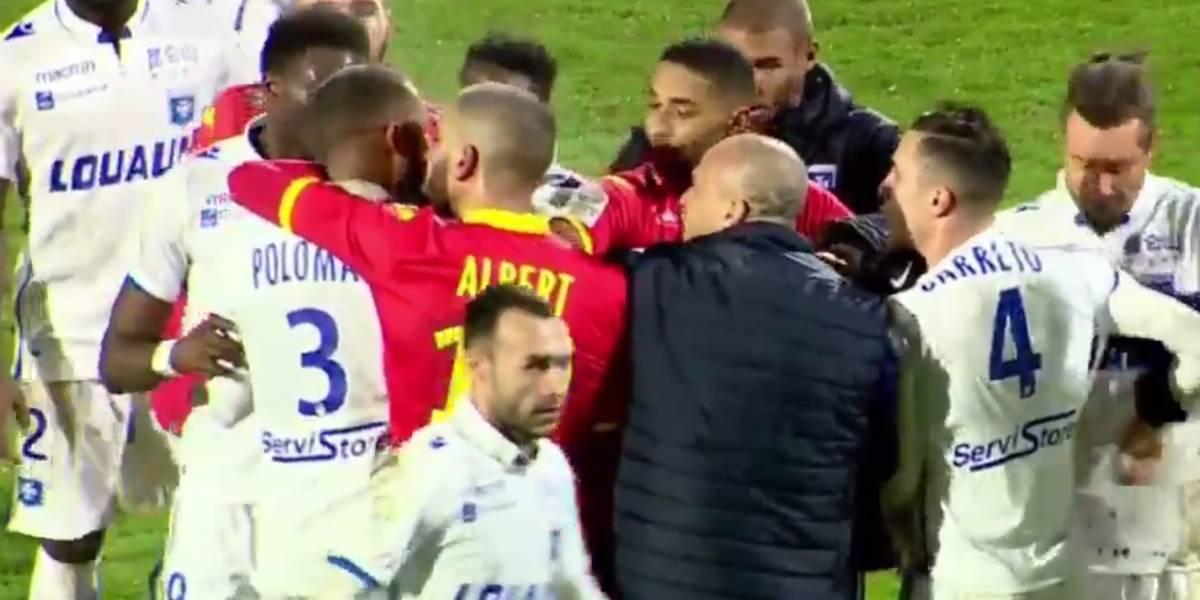 Insólito: Pelea entre compañeros de equipo sonroja al fútbol francés