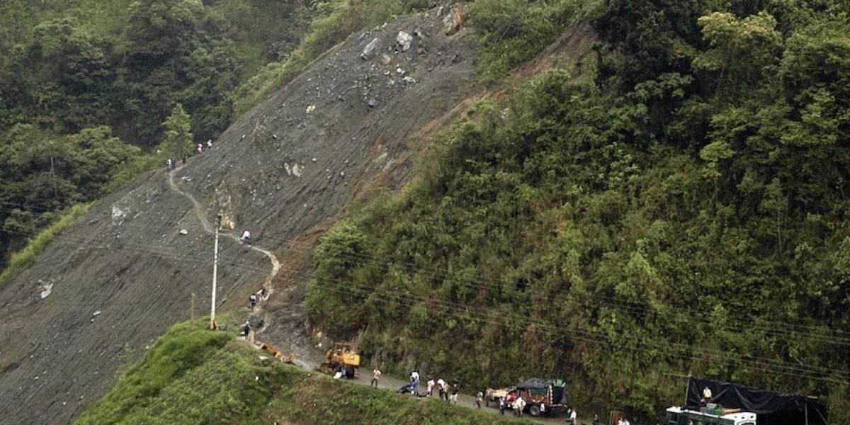 Cierran la vía Bogotá - Girardot por deslizamiento de tierra