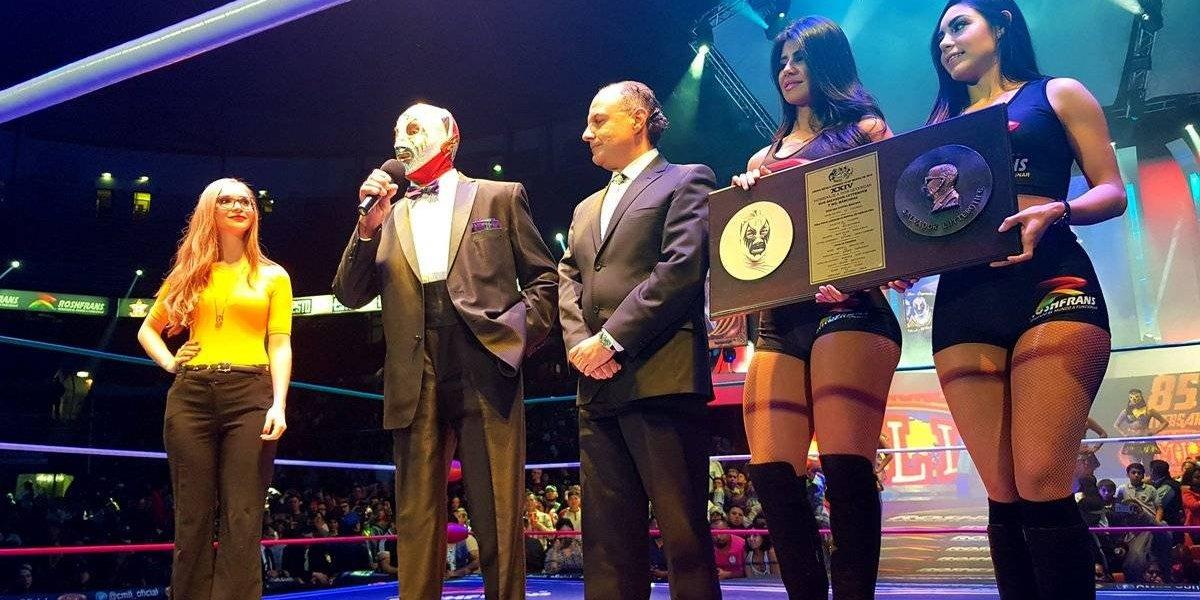 La Arena México se rinde ante Mil Máscaras en 'Homenaje a dos Leyendas'