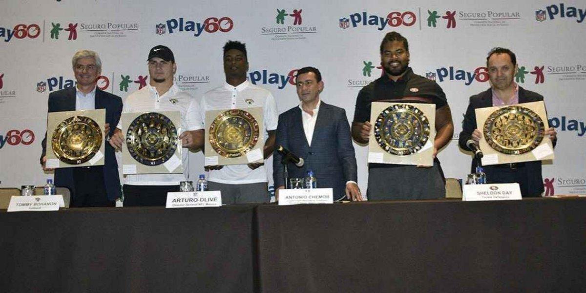 Jugadores de la NFL imparten clínicas en Morelos