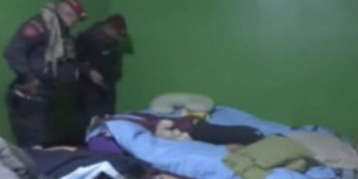 """Le """"bajó"""" el sueño en el peor lugar: entró a robar, se tomó una siestecita y lo despertó la policía"""