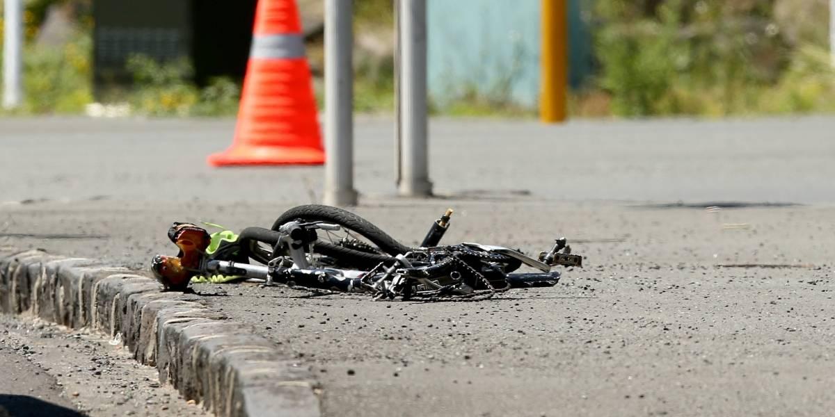 Muere ciclista al chocar con una moto mientras entrenaba