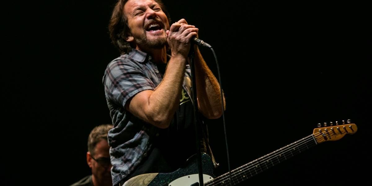 Potente show de Pearl Jam y LCD Soundsystem cierran primera jornada de Lollapalooza