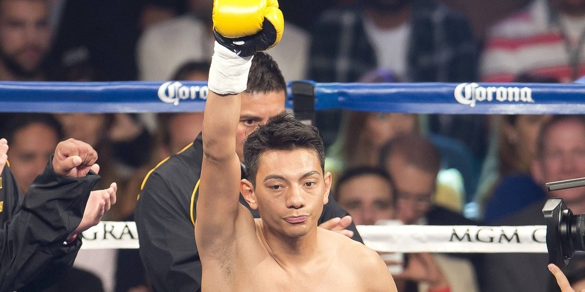 Cristian Mijares se despide del box con polémico triunfo