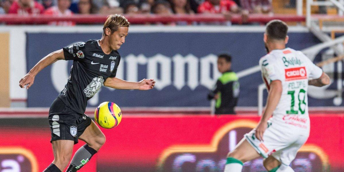 Necaxa rescata empate ante Pachuca sin un jugador