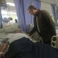 Ministro de Gobernación, Enrique Antonio Degenhart visita policías heridos en el hospital IGSS 7-19 -1