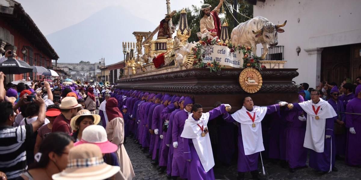 EN IMÁGENES. Procesión de Jesús Nazareno de la Caída engalana la Ciudad Colonial