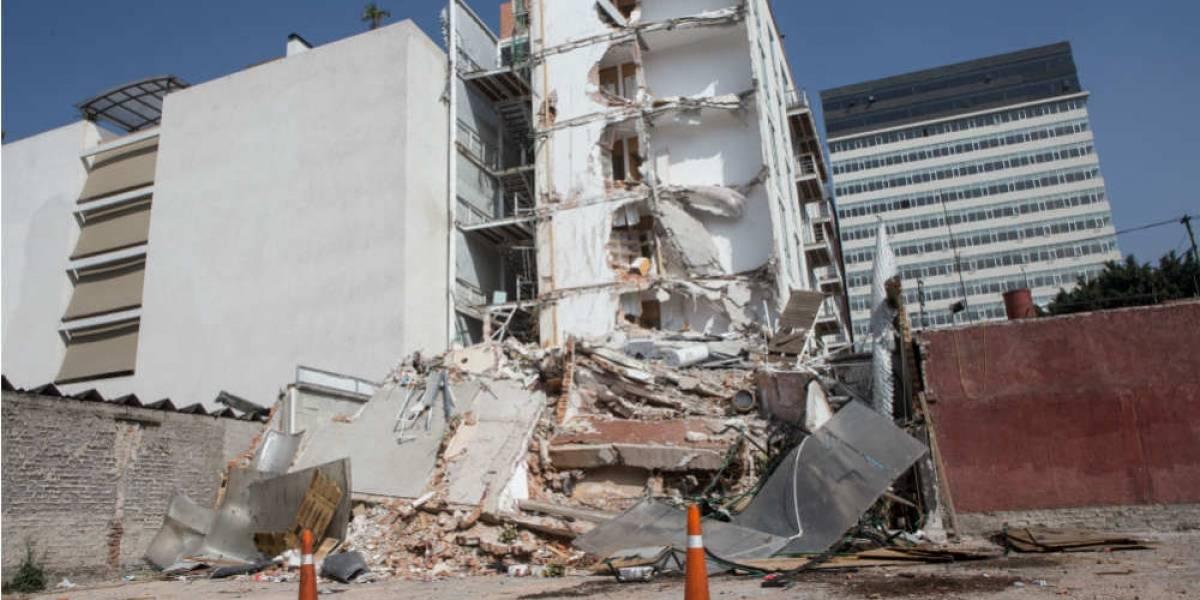 La tortura de buscar justicia tras el sismo