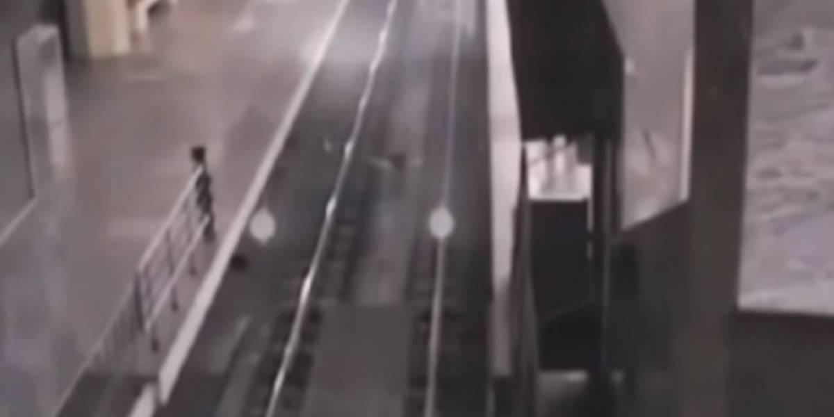 ¿Tren fantasma?, miedosas imágenes captadas por una cámara de seguridad