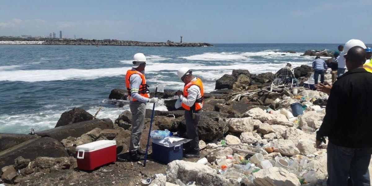 Medio Ambiente dice trabaja para eliminar sustancia en río Haina