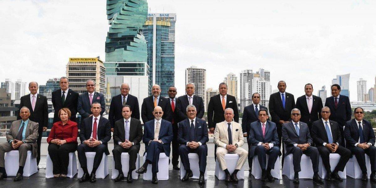 Miguel Vargas exhorta a diplomáticos representar al país con dignidad