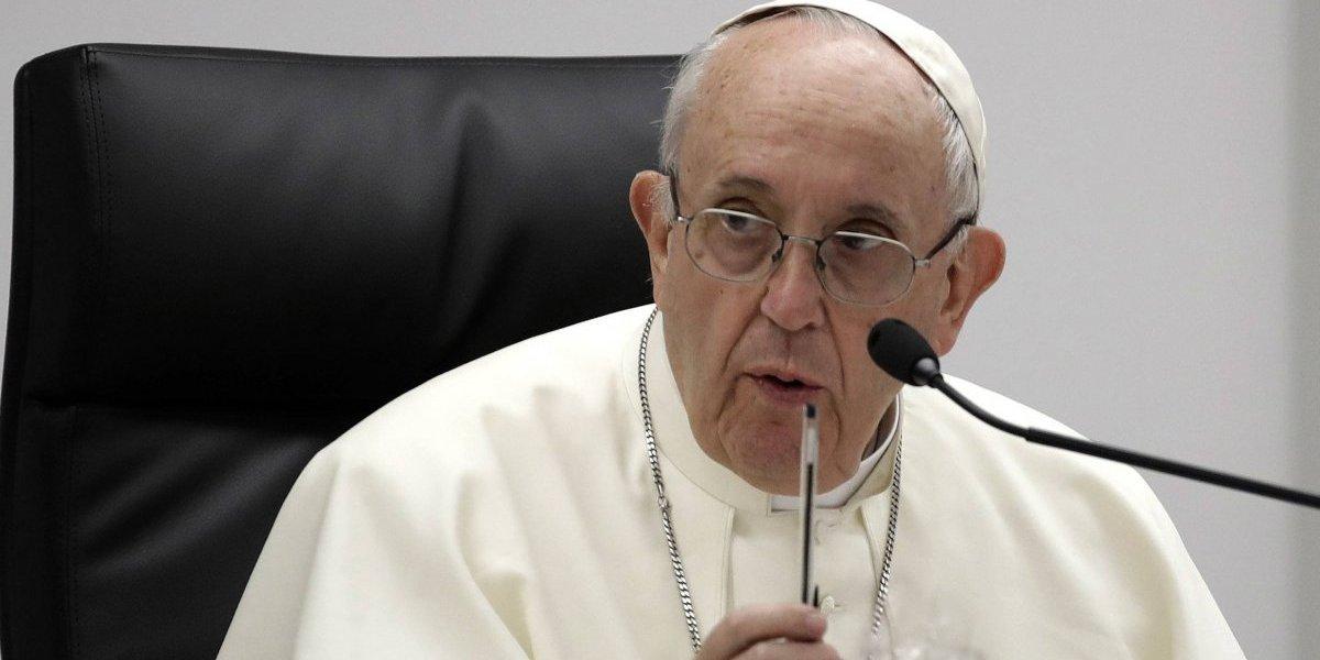 Quien paga por sexo es un criminal que tortura a la mujer: papa Francisco