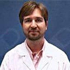 Juan Pablo Cleary, Neurólogo de la Clínica Universidad de Los Andes, Santiago de Chile