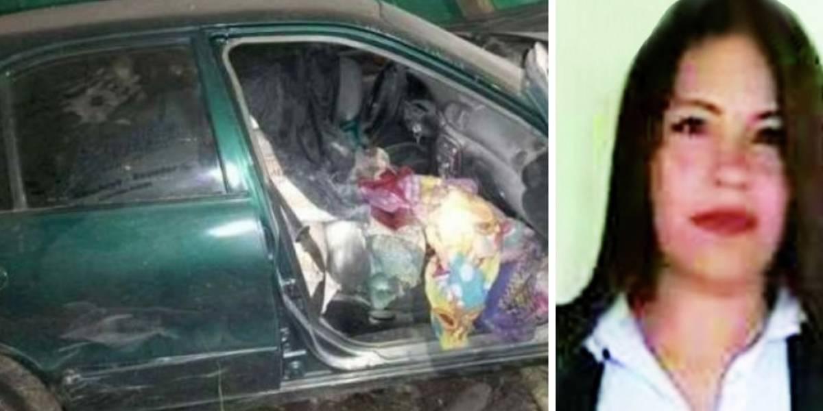 Por no parar en retén policías asesinan a una mujer