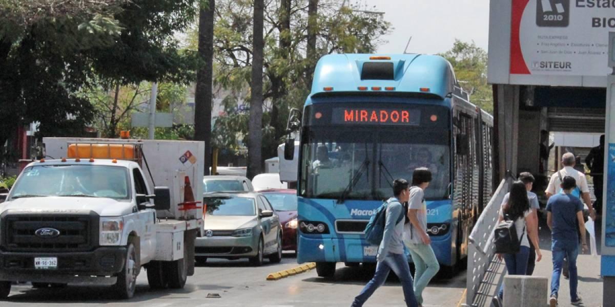Cierran estación del Macrobús por obras del SIAPA