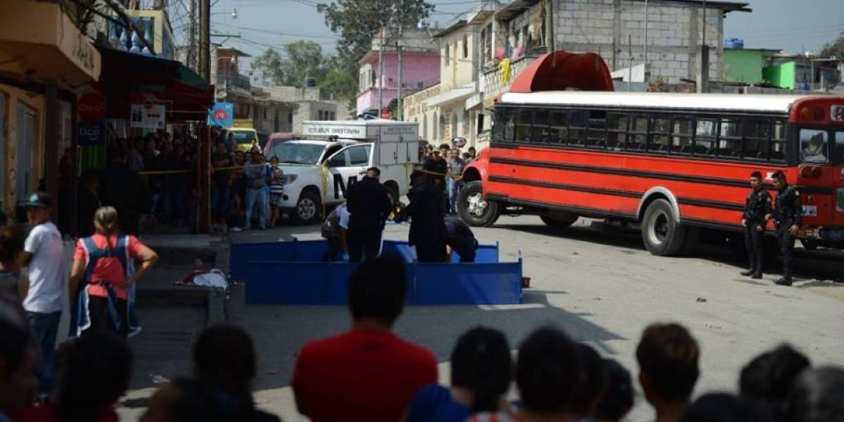 """Asesinan a piloto de bus por no pagar el """"bono de verano"""""""