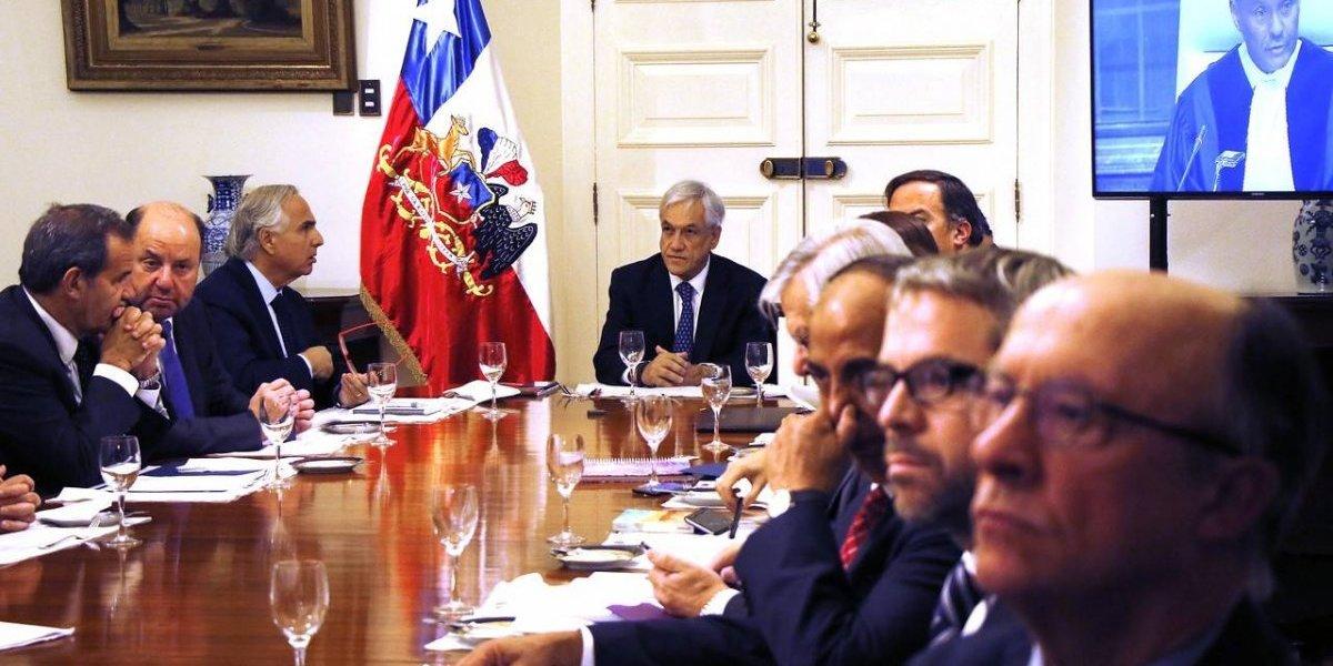 A diferencia de Evo: la prudencia con que Sebastián Piñera sigue desde madrugada los alegatos en La Haya