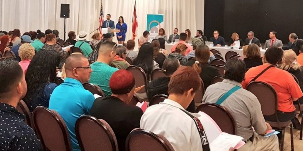 Vivienda presenta plan anual para residenciales públicos