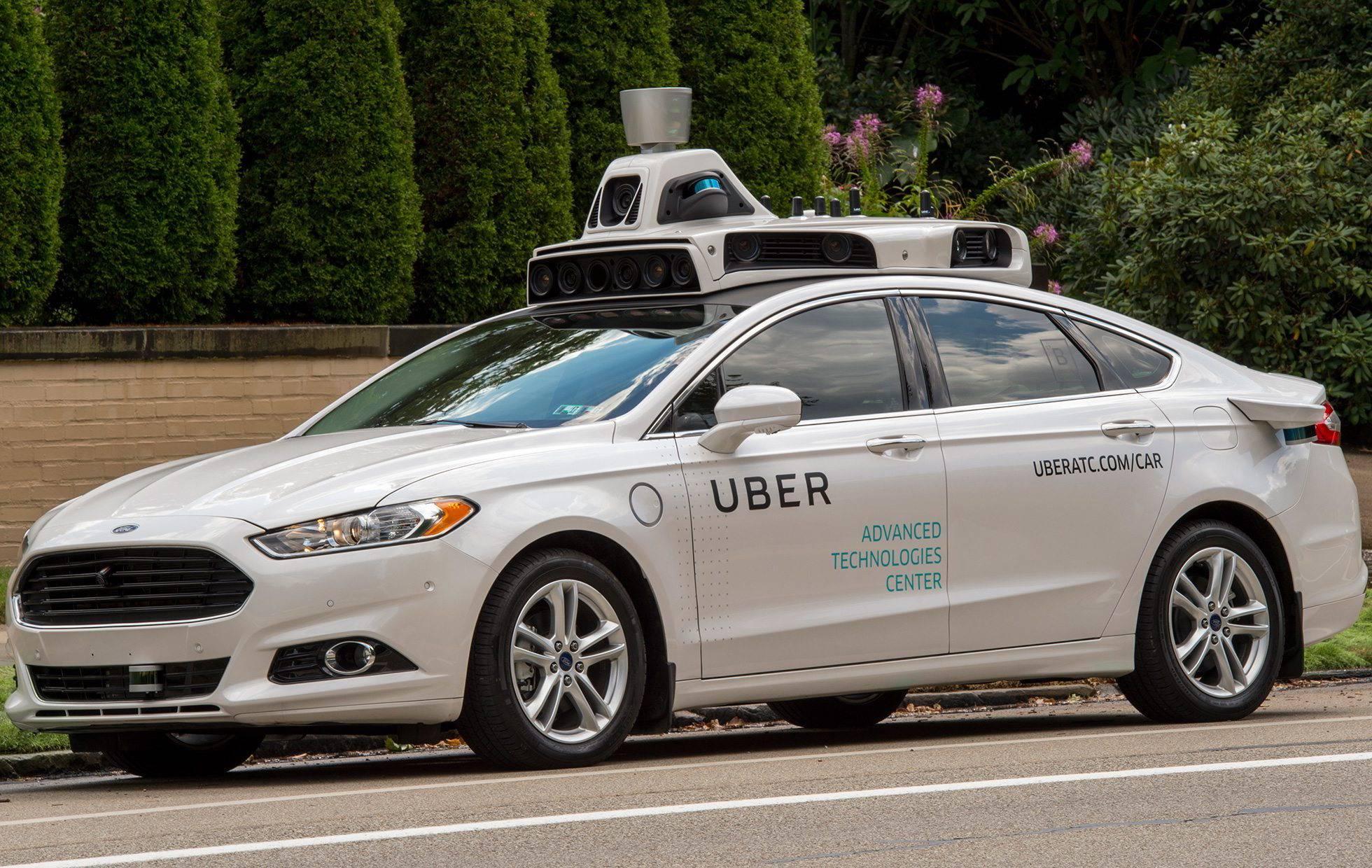Vehículo autómata de Uber atropella a mujer en Arizona