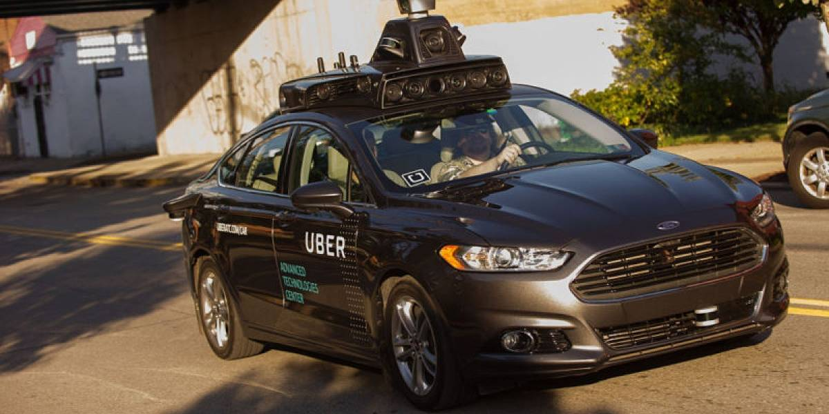 Vehículo autónomo de Uber atropella y mata a una mujer