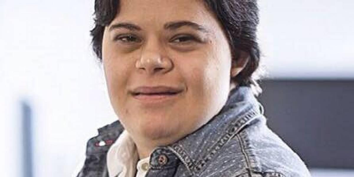 Professora com Down rebate crítica de desembargadora: 'quem discrimina é criminoso'