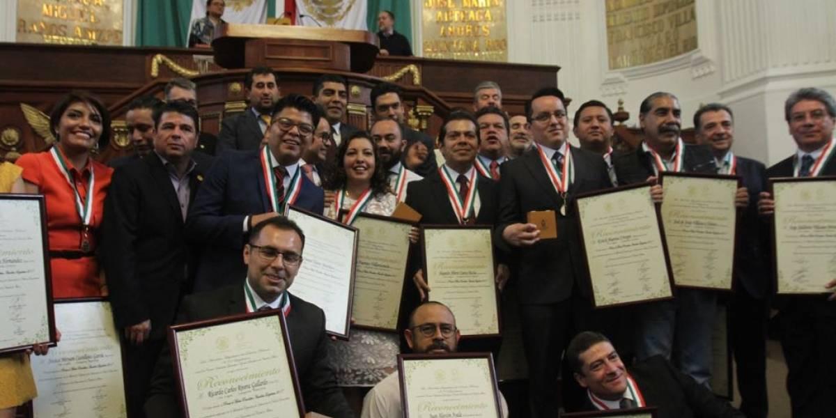 ALDF entrega presea al Mérito Periodístico a 19 destacados comunicadores