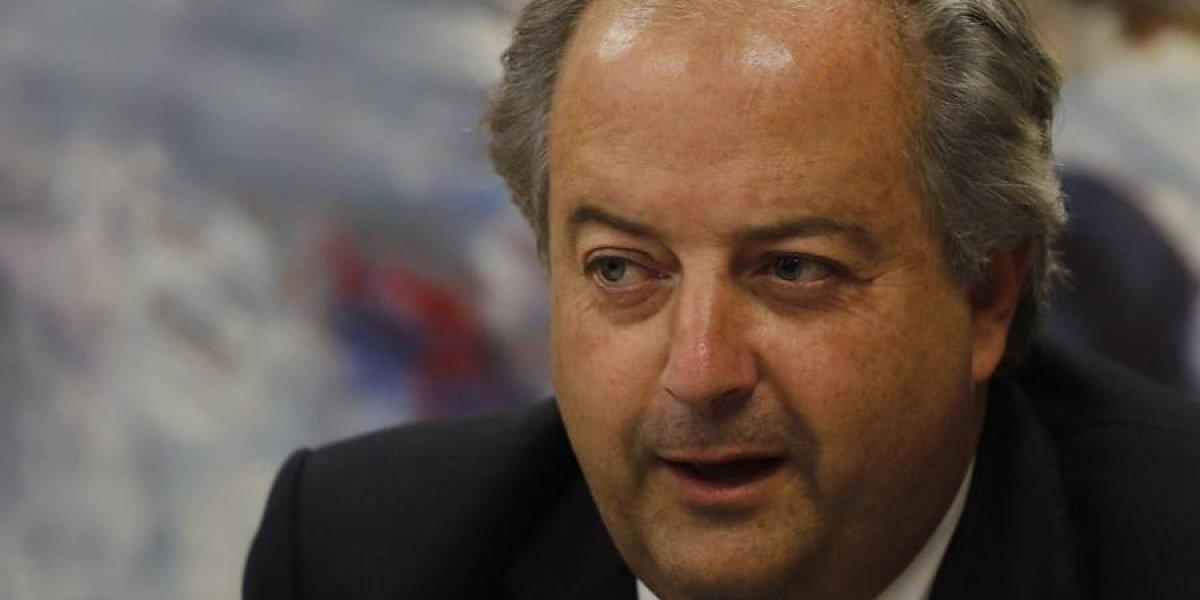 """Ministro del trabajo: """"acabar con las AFP no es viable pero aumentaremos los proveedores"""""""