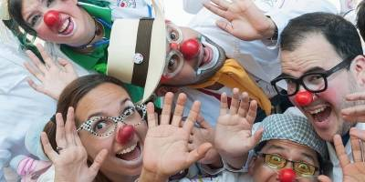 Estos divertidos 'doctores' te curarán con risas
