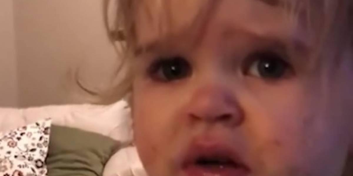 Quiso hacer un divertido video viral y terminó ganándose el repudio de las redes: acusan de abuso infantil a mamá por dar wasabi a su bebé