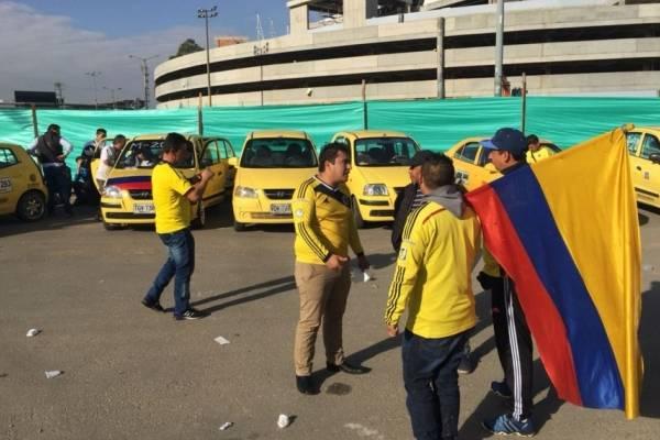 Taxistas protestan por modernización de taxímetros