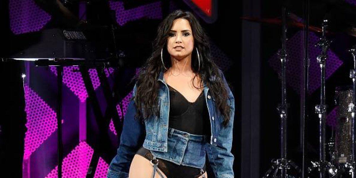 Demi Lovato llora en pleno concierto por una emotiva razón