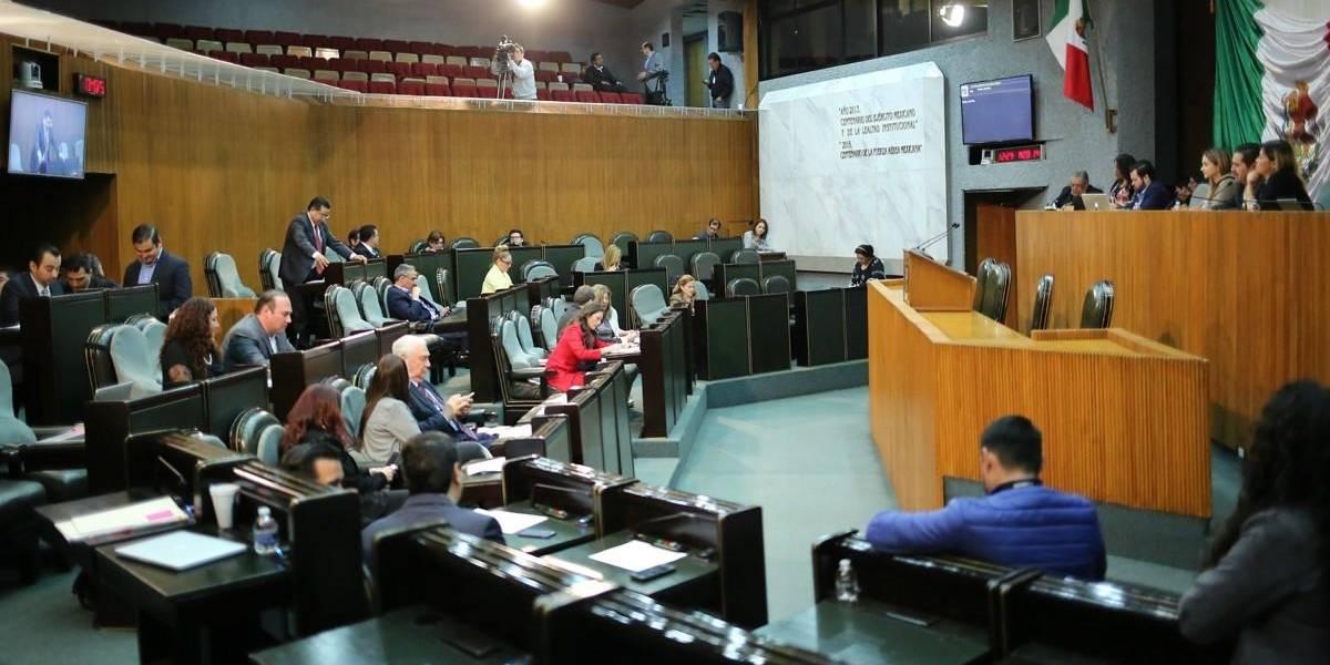 """Murciélago """"toma"""" el Congreso de Nuevo León"""
