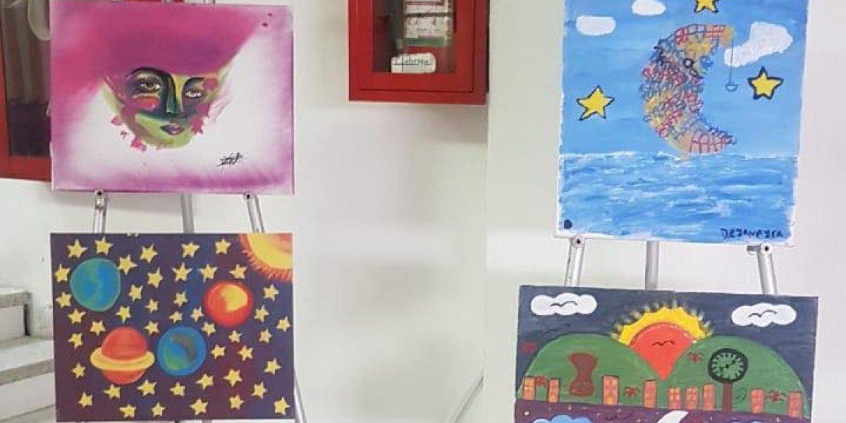 """Presentan pinturas que """"canalizan las emociones"""" de jóvenes en proceso de reinserción"""