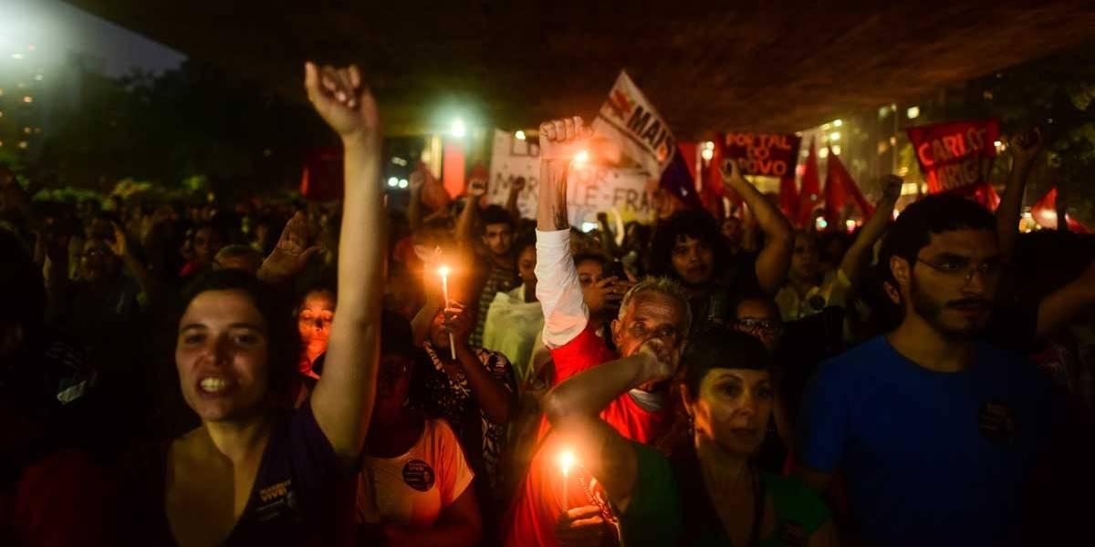 Ato por Marielle e Anderson reúne milhares no centro do Rio