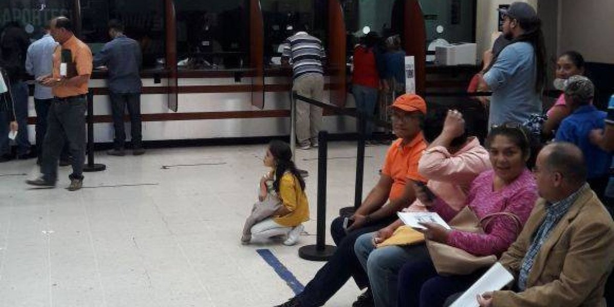 "Guatemala aprueba pedir ""visa consultada"" a venezolanos"