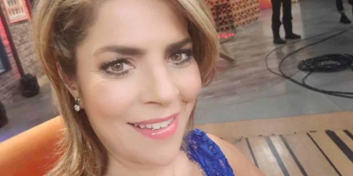 Ana María Alvarado presume su figura en bikini a los 50 años