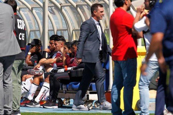 Pablo Guede se fue expulsado por reclamos al árbitro / imagen: Photosport
