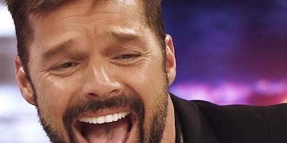 Ricky Martin comparte foto desde una camilla