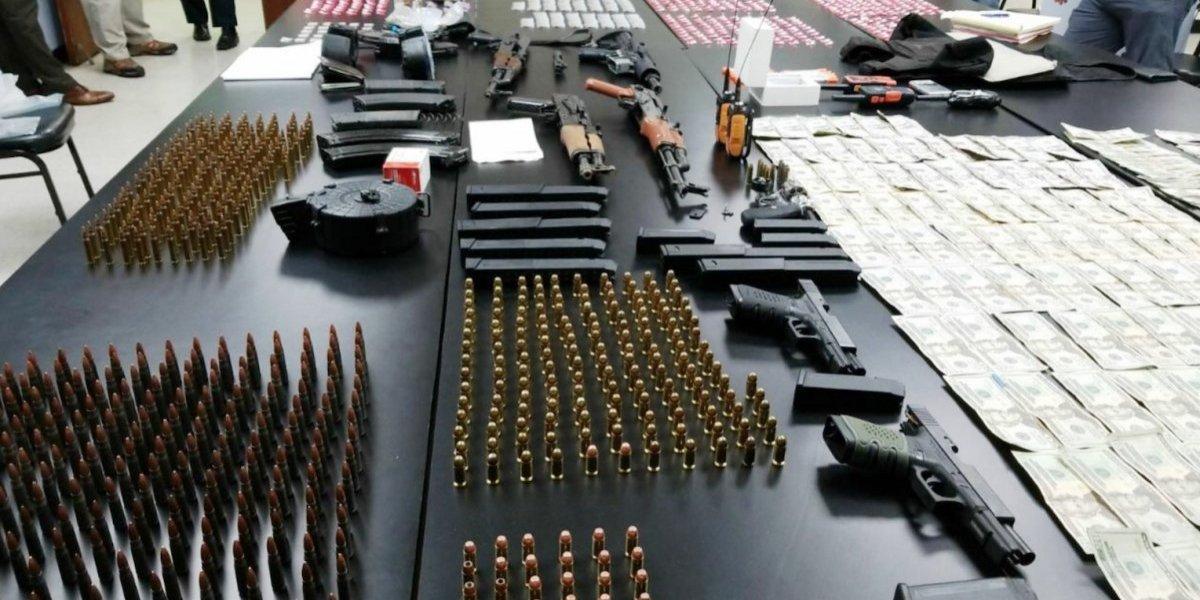 Incautan potente arsenal de armas y municiones en Canóvanas