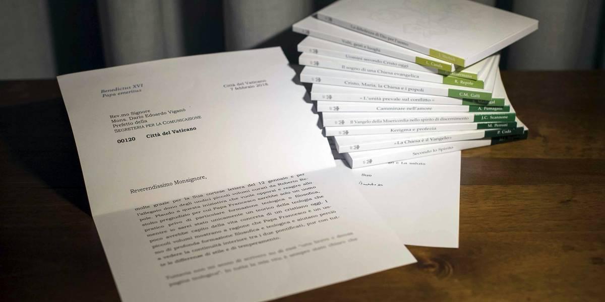 """Nuevo escándalo abochorna al Vaticano: """"Noticias falsas"""" desde la oficina de comunicaciones del papa provocan renuncia"""